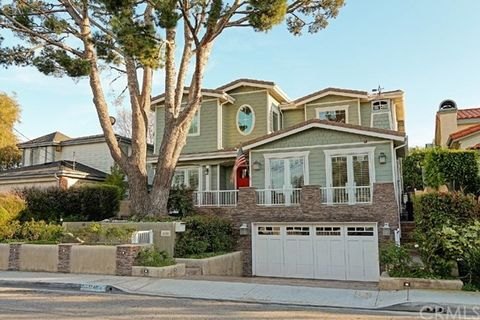 1740 2nd St, Manhattan Beach, CA 90266