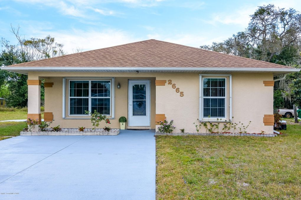 2665 Pineapple Ave, Mims, FL 32754