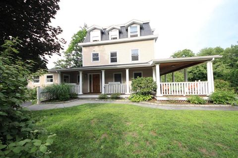 96 Fitch Ave, Darien, CT 06820