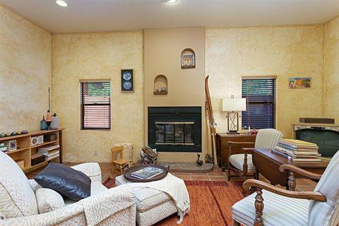 9763 Rancho Dr, Escondido, CA 92029