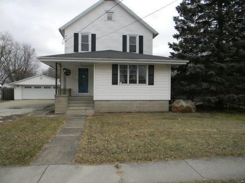 Photo of 313 S Center St, Forrest, IL 61741