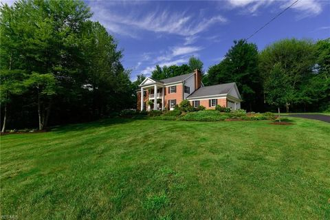 17364 Old State Rd, Middlefield, OH 44062