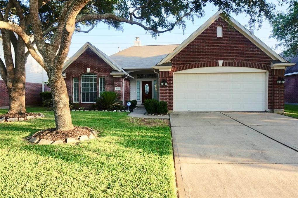 17323 Winfield Sq, Richmond, TX 77407