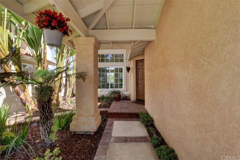 12 San Nicholas Rancho Santa Margarita, CA 92688