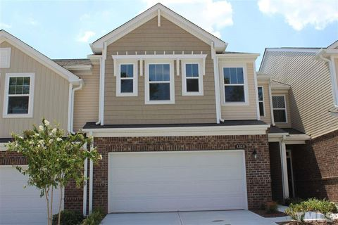 Photo of 1528 Glenwater Dr, Cary, NC 27519