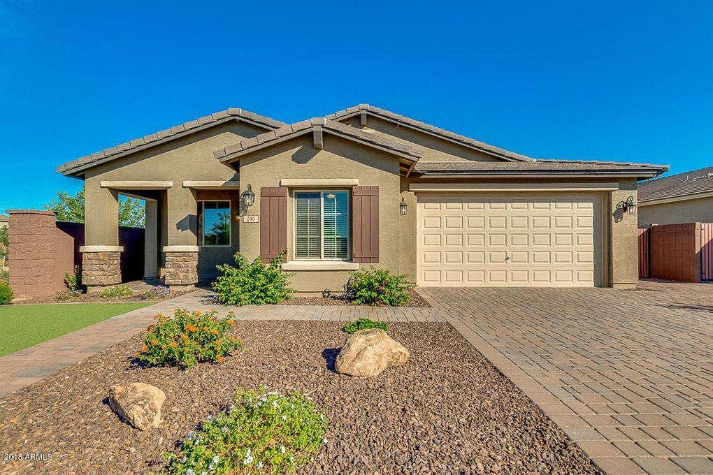 246 W White Oak Ave, Queen Creek, AZ 85140