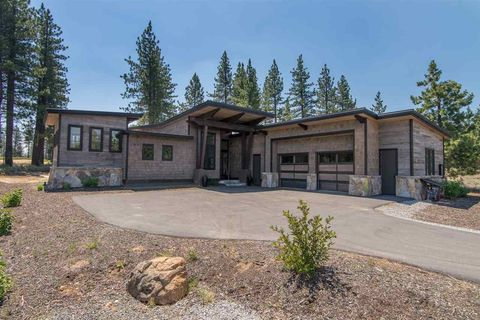 11638 Henness Rd, Truckee, CA 96161