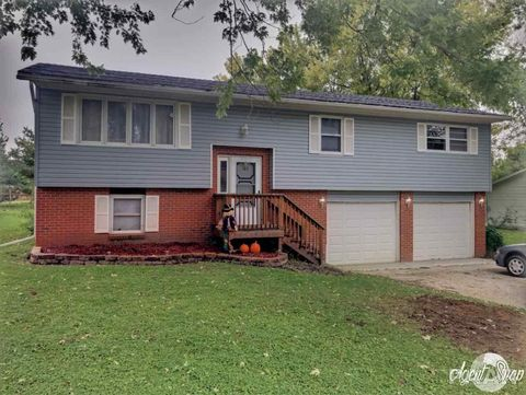 182 W Sunnyview Ave, Knoxville, IL 61448
