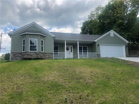 Photo of 2820 Clearview Dr, Shaler Township, PA 15116