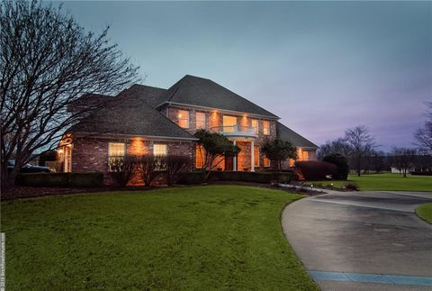 Photo of 1971 Chukker Dr, Fayetteville, AR 72703
