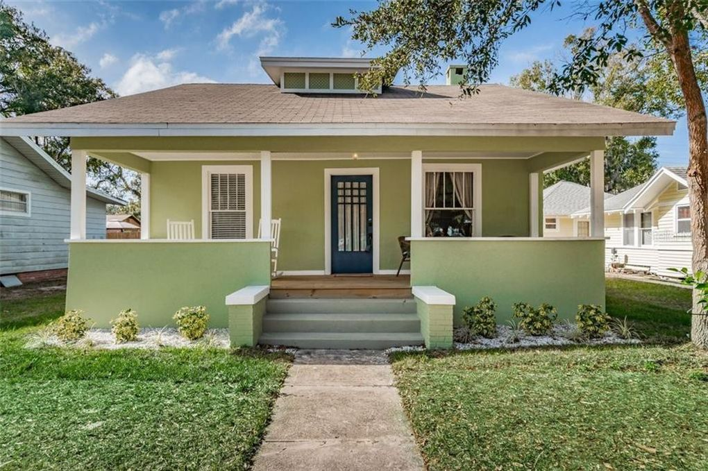 304 Pineapple St Tarpon Springs, FL 34689