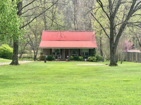 Photo of 685 Dry Creek Rd, Clearfield, KY 40313