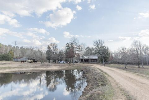 859 County Road 52, Houston, MS 38851