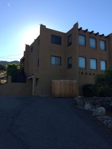 14325 Windsor Pl Ne, Albuquerque, NM 87123