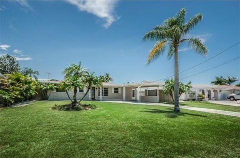 306 Westwinds Dr, Palm Harbor, FL 34683