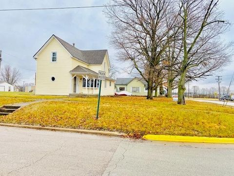 822 S 2nd Ave, Hoopeston, IL 60942