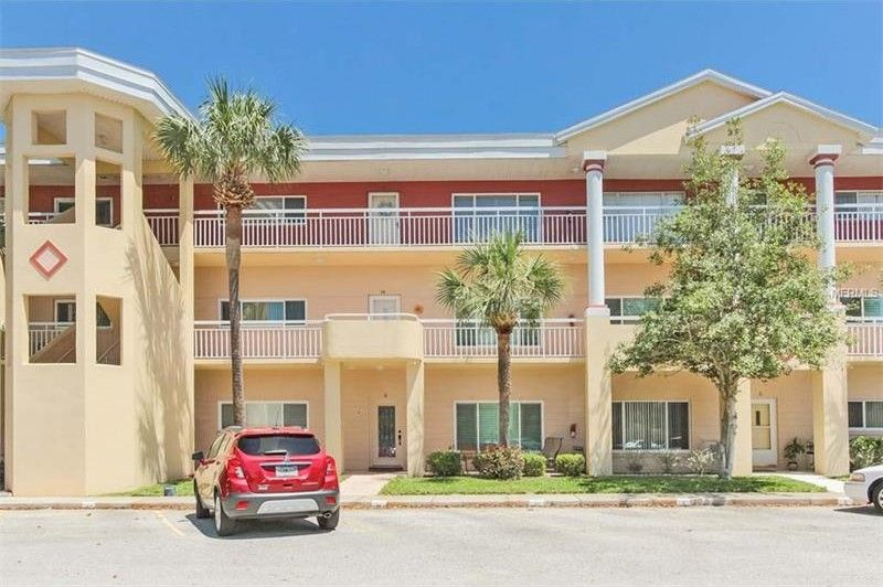 2021 Shangrila Dr Apt 42, Clearwater, FL 33763