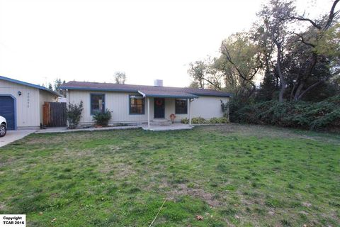 20575 Willow Springs Dr, Soulsbyville, CA 95372