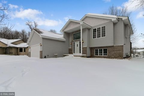 Photo of 2813 236th Ct, Saint Francis, MN 55070