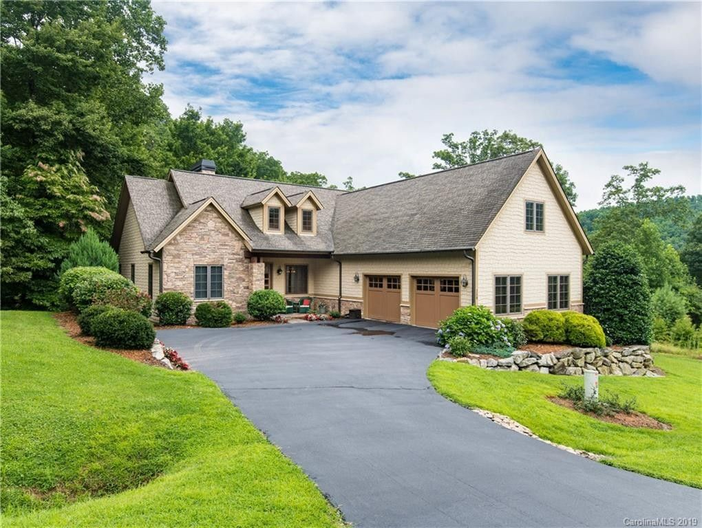 258 Somersby Pkwy, Hendersonville, NC 28739