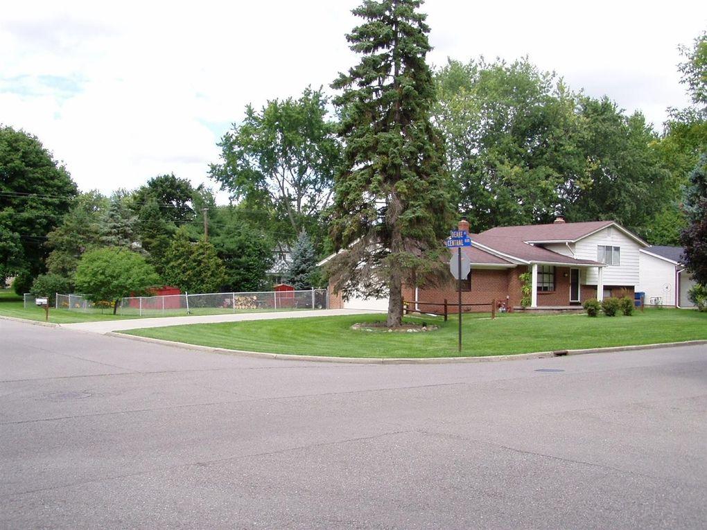 2582 Deake Ave Ann Arbor, MI 48108