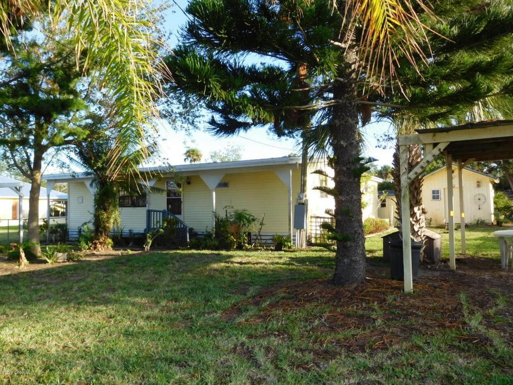160 Lewis St, Edgewater, FL 32141
