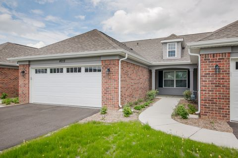 Photo of 4105 Pond Willow Rd, Naperville, IL 60564