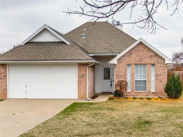 1528 Oak Tree Cir Weatherford, TX 76086