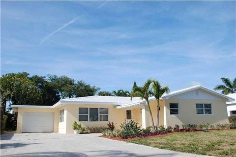 215 Bravado Ln, Palm Beach Shores, FL 33404