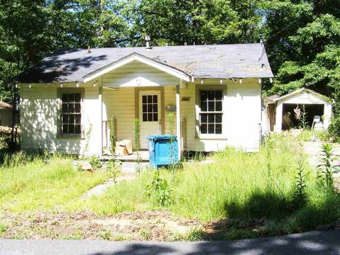1120 Roosevelt St, Malvern, AR 72104