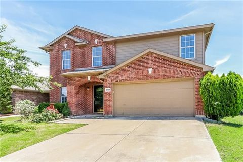 Photo of 3404 Cheyenne Ranch Rd, Fort Worth, TX 76262