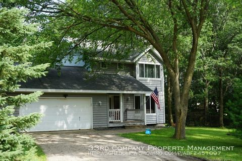 Photo of 26715 Woodcrest Dr, Elko New Market, MN 55020