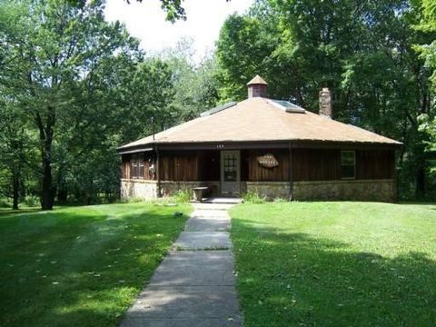 Photo of 139 Fire Tower Rd, Donegal, PA 15622