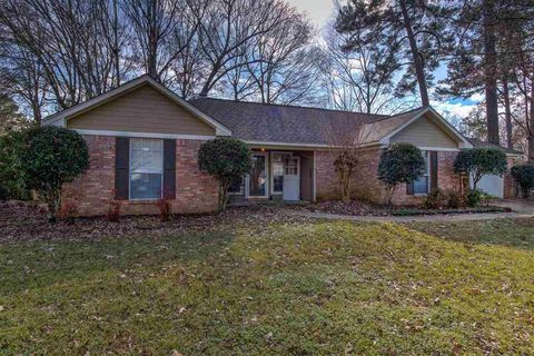 789 Richland East Dr, Richland, MS 39218