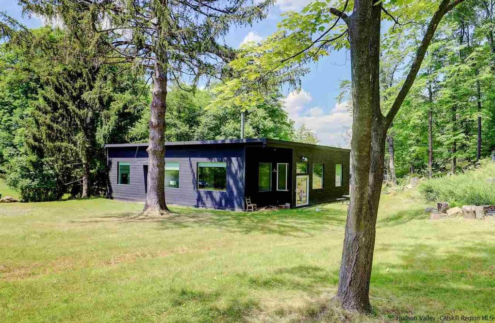 1352 Old Post Rd Ulster Park, NY 12487