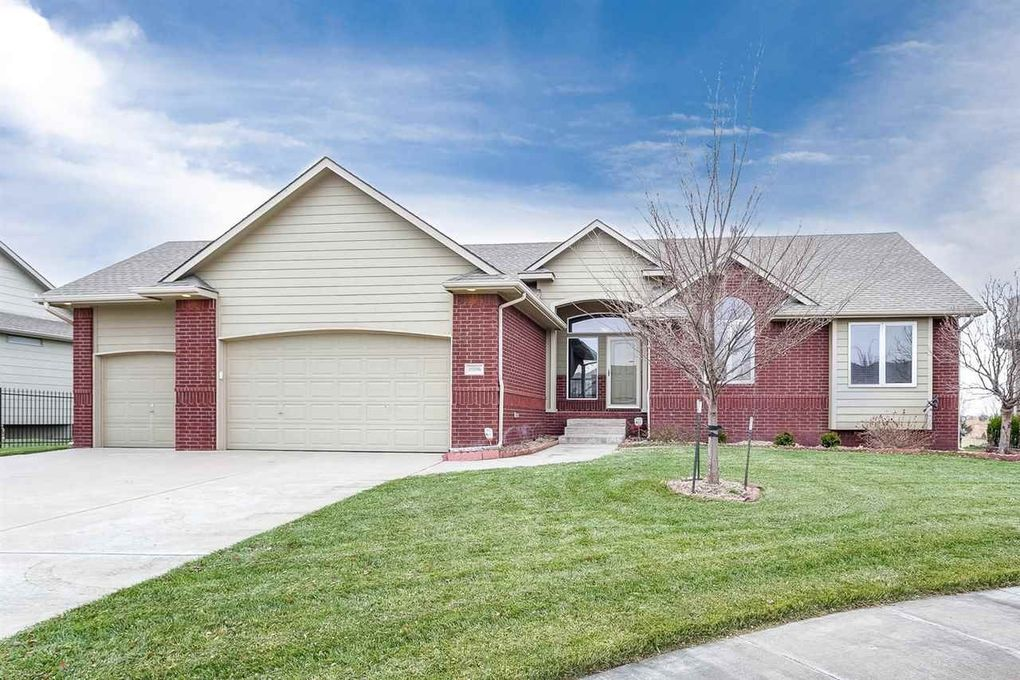 10006 W Westlakes Ct Wichita, KS 67205
