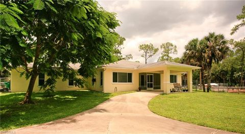 Photo of 621 20th Ave Nw, Naples, FL 34120