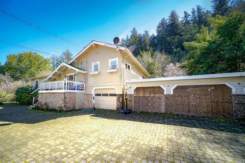Photo of 259 Castro St, Forest Knolls, CA 94933