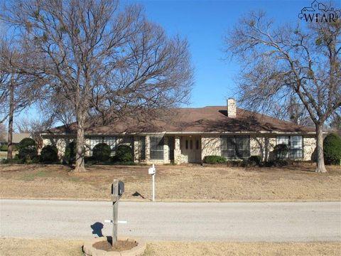 313 Galleon Dr, Wichita Falls, TX 76308