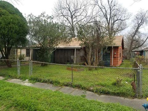 Photo of 6319 Force St, Houston, TX 77020