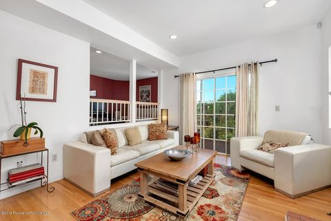 Photo of 714 Sunnyhill Dr, Los Angeles, CA 90065
