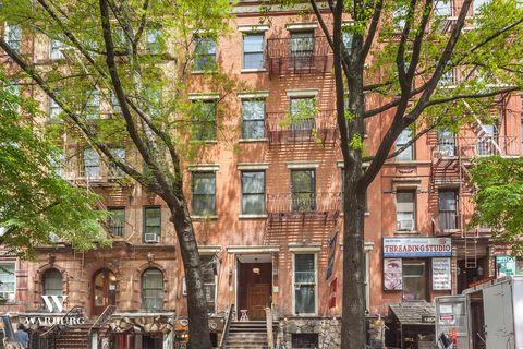 Photo of 9 Saint Marks Pl, New York, NY 10003