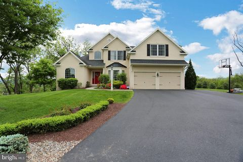 Photo of 91 Linkside Ct, Reading, PA 19606