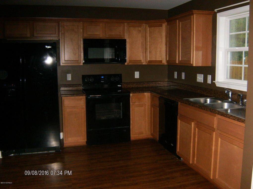 1264 Pickett Rd, Jacksonville, NC 28540