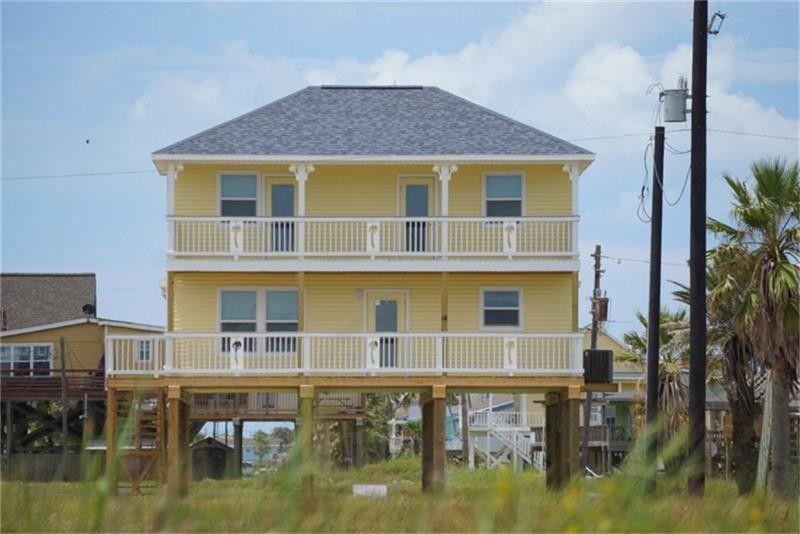 104 beach dr freeport tx 77541 realtor com rh realtor com Surfside Beach Texas Beaches Panama City Beach Houses