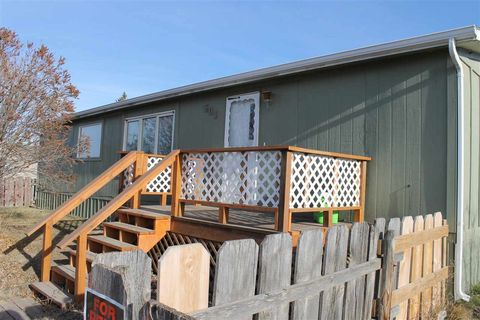 501 N 5th St, New Town, ND 58763