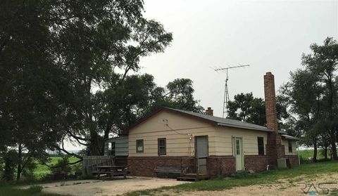 Photo of 38143 290th St, Lake Andes, SD 57356