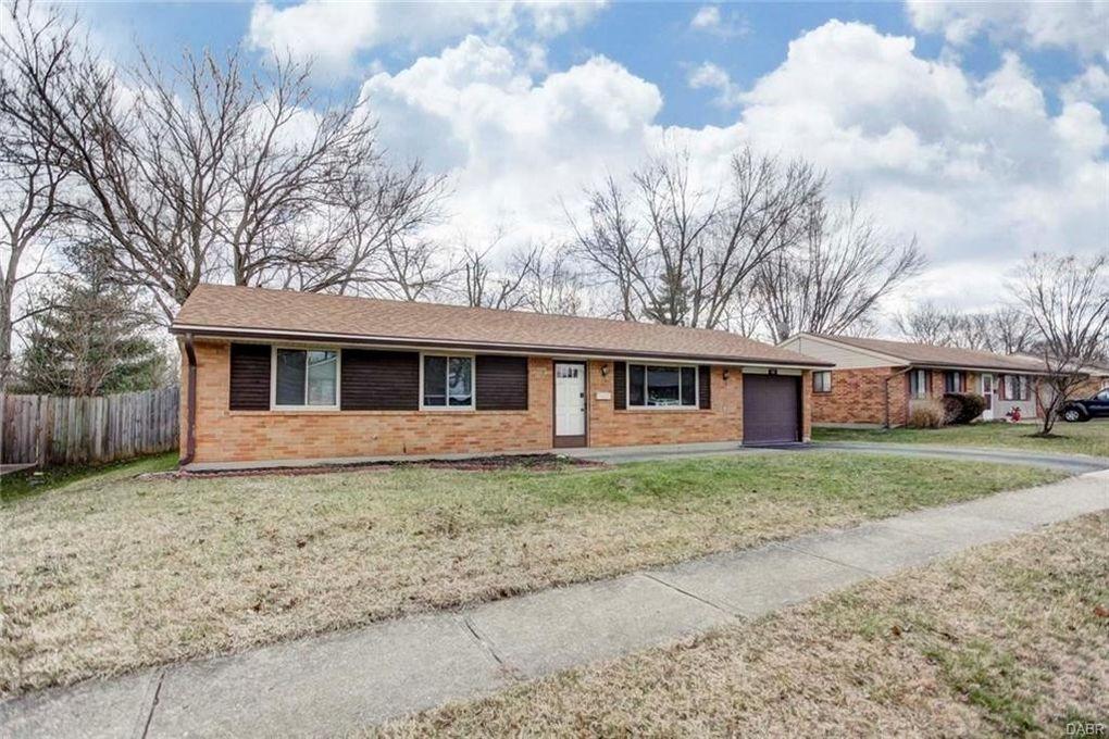 102 Grantwood Dr, Dayton, OH 45449