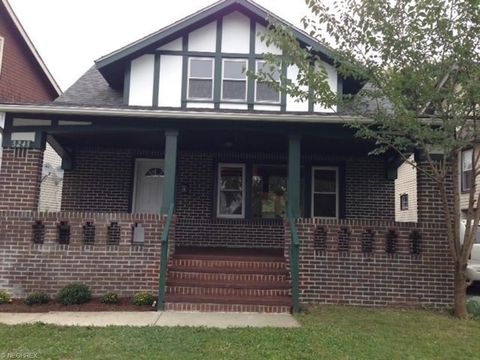 Photo of 3243 Kildare Rd, Cleveland Heights, OH 44118