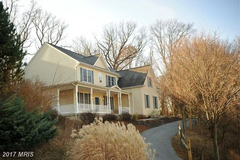 363 Fitzway Dr, Westminster, MD 21157